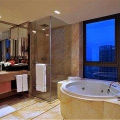 Guoman Hotel Shanghai 4* Представительский номер с различными типами кроватей