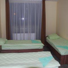 Отель Вояж 2* Кровать в общем номере фото 11
