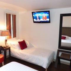 Отель Hôtel Little Regina 2* Стандартный номер с двуспальной кроватью фото 2