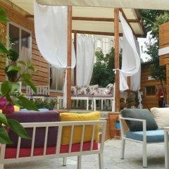 Отель B&B Secret Garden бассейн