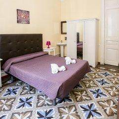 Отель Hostal Balmes Centro Стандартный номер с двуспальной кроватью (общая ванная комната) фото 6