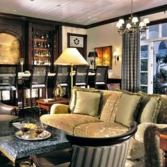 Отель The Palms Turks and Caicos гостиничный бар