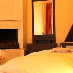 Отель Tabinoya - Tallinn's Travellers House Стандартный номер с 2 отдельными кроватями (общая ванная комната)