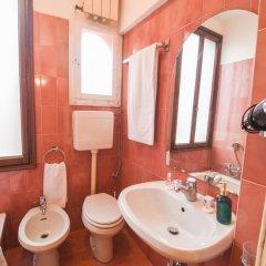Отель Luxury Apartment in the Heart of Venice Италия, Венеция - отзывы, цены и фото номеров - забронировать отель Luxury Apartment in the Heart of Venice онлайн ванная