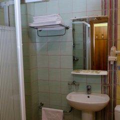 Adelfiya Hotel 2* Номер Комфорт с двуспальной кроватью фото 3
