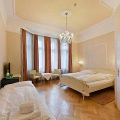Hotel Pension Baronesse 4* Стандартный номер с двуспальной кроватью фото 4