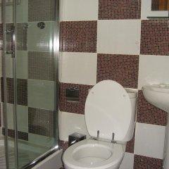 Отель DownTown Guest House 3* Стандартный номер с 2 отдельными кроватями (общая ванная комната) фото 6