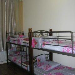 Хостел Радужный Кровать в общем номере двухъярусные кровати фото 8