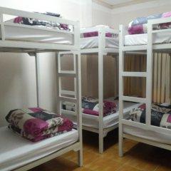 Tiny Tigers Hostel Кровать в общем номере с двухъярусной кроватью