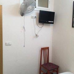 Отель Hostal Mont Thabor Номер категории Эконом с различными типами кроватей фото 12