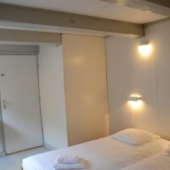 Hotel de Tabaksplant 3* Номер категории Эконом с 2 отдельными кроватями (общая ванная комната) фото 5