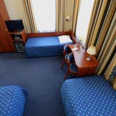 Hotel Tumski 3* Стандартный семейный номер с разными типами кроватей фото 11