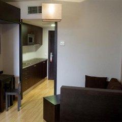 Отель Aparthotel Zenit Hall 88 4* Стандартный семейный номер с двуспальной кроватью фото 12