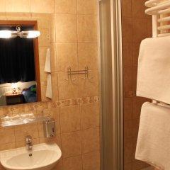Отель Pensjonat Longinus 2* Стандартный номер с различными типами кроватей фото 11