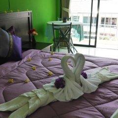 Отель Thana Patong Guesthouse в номере фото 2