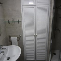 Отель Hostal Roma Стандартный номер с различными типами кроватей фото 9