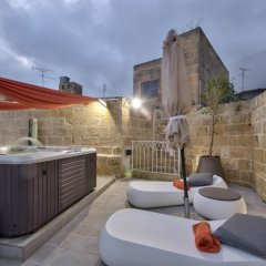 Отель Ta Rozamari бассейн