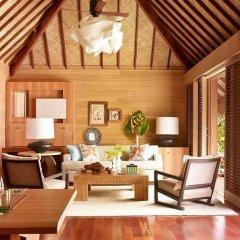 Отель Four Seasons Resort Bora Bora 5* Вилла с различными типами кроватей фото 8