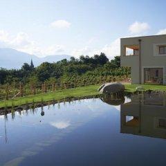Отель Weingut Stuck Аппиано-сулла-Страда-дель-Вино приотельная территория