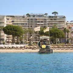 Le Grand Hotel Cannes Канны приотельная территория