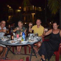 The Coconut Garden Hotel & Restaurant питание фото 3