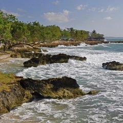 Апартаменты Carib Beach Apartments Negril пляж
