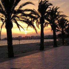 Отель La Carabela Испания, Курорт Росес - отзывы, цены и фото номеров - забронировать отель La Carabela онлайн пляж