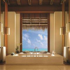 Отель One&Only Reethi Rah 5* Вилла Премиум с различными типами кроватей фото 8