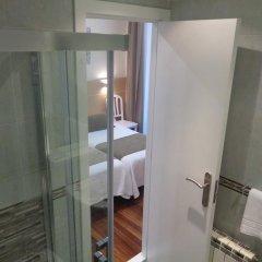 Отель Pensión Urumea Испания, Сан-Себастьян - отзывы, цены и фото номеров - забронировать отель Pensión Urumea онлайн ванная фото 2