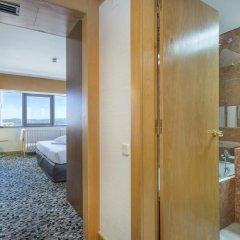 Отель Ramada by Wyndham Lisbon 4* Стандартный номер с различными типами кроватей фото 5