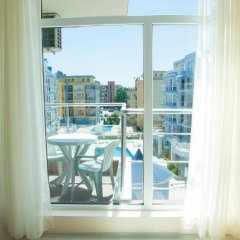 Апартаменты Mirena Rose Garden Family Studio Солнечный берег балкон