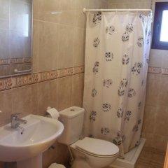 Отель Apartamentos Turísticos Edificio del Pino ванная фото 2