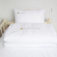 Отель Shinchon Hongdae Guesthouse 2* Стандартный номер с различными типами кроватей