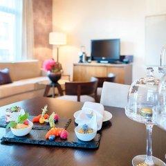 Отель ALDEN Suite Hotel Splügenschloss Zurich Швейцария, Цюрих - 9 отзывов об отеле, цены и фото номеров - забронировать отель ALDEN Suite Hotel Splügenschloss Zurich онлайн в номере фото 2