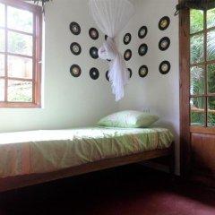 Отель La Familia Resort and Restaurant 3* Стандартный семейный номер с двуспальной кроватью (общая ванная комната) фото 5