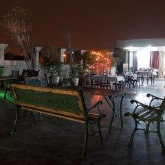 Отель Sarthak Palace Индия, Нью-Дели - отзывы, цены и фото номеров - забронировать отель Sarthak Palace онлайн гостиничный бар
