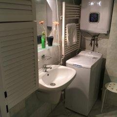 Отель Blue River Apartment Венгрия, Будапешт - отзывы, цены и фото номеров - забронировать отель Blue River Apartment онлайн ванная