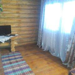 Отель Domik v Gorakh Guest House Поляна комната для гостей фото 2