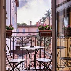 Отель Palazzo Trevi Charming House Италия, Болонья - отзывы, цены и фото номеров - забронировать отель Palazzo Trevi Charming House онлайн балкон