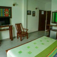 Отель Villa Baywatch Rumassala 3* Стандартный номер с двуспальной кроватью фото 7