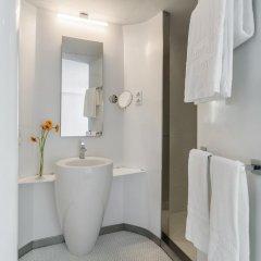 Отель Room Mate Oscar Испания, Мадрид - отзывы, цены и фото номеров - забронировать отель Room Mate Oscar онлайн ванная