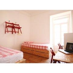 Liv'in Lisbon Hostel Стандартный номер с двуспальной кроватью (общая ванная комната) фото 5