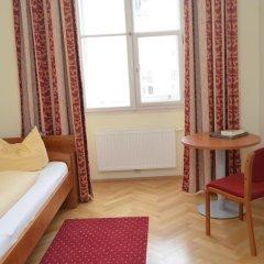 Отель Gästehaus Im Priesterseminar Salzburg 3* Стандартный номер фото 4