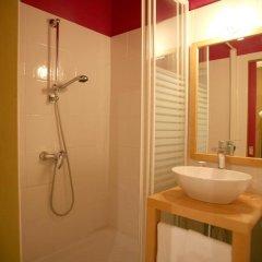 Отель Hôtel Côté Patio 3* Номер Комфорт с различными типами кроватей фото 13