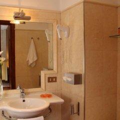 Hotel Condotti 3* Стандартный номер с двуспальной кроватью фото 25