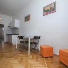 Отель Jump In Hostel Чехия, Прага - 2 отзыва об отеле, цены и фото номеров - забронировать отель Jump In Hostel онлайн комната для гостей фото 4
