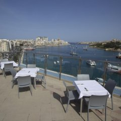 115 The Strand Hotel and Suites пляж