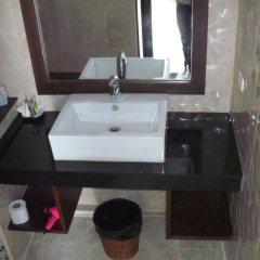 Отель Capannina Inn Таиланд, Пхукет - 10 отзывов об отеле, цены и фото номеров - забронировать отель Capannina Inn онлайн ванная фото 2