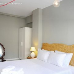 Апартаменты Live in Athens, short stay apartments комната для гостей фото 9