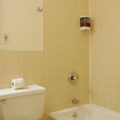 Отель Americana Inn 2* Стандартный номер с 2 отдельными кроватями (общая ванная комната) фото 7